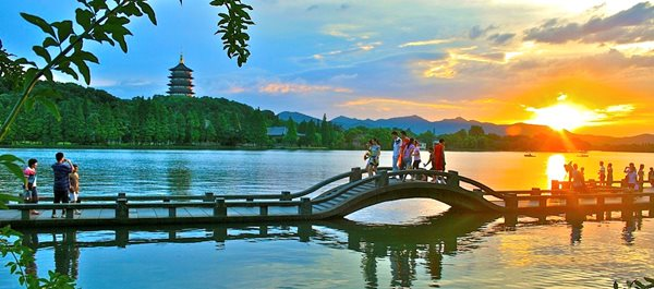 Hangzhou, China hotels under 100 dollars